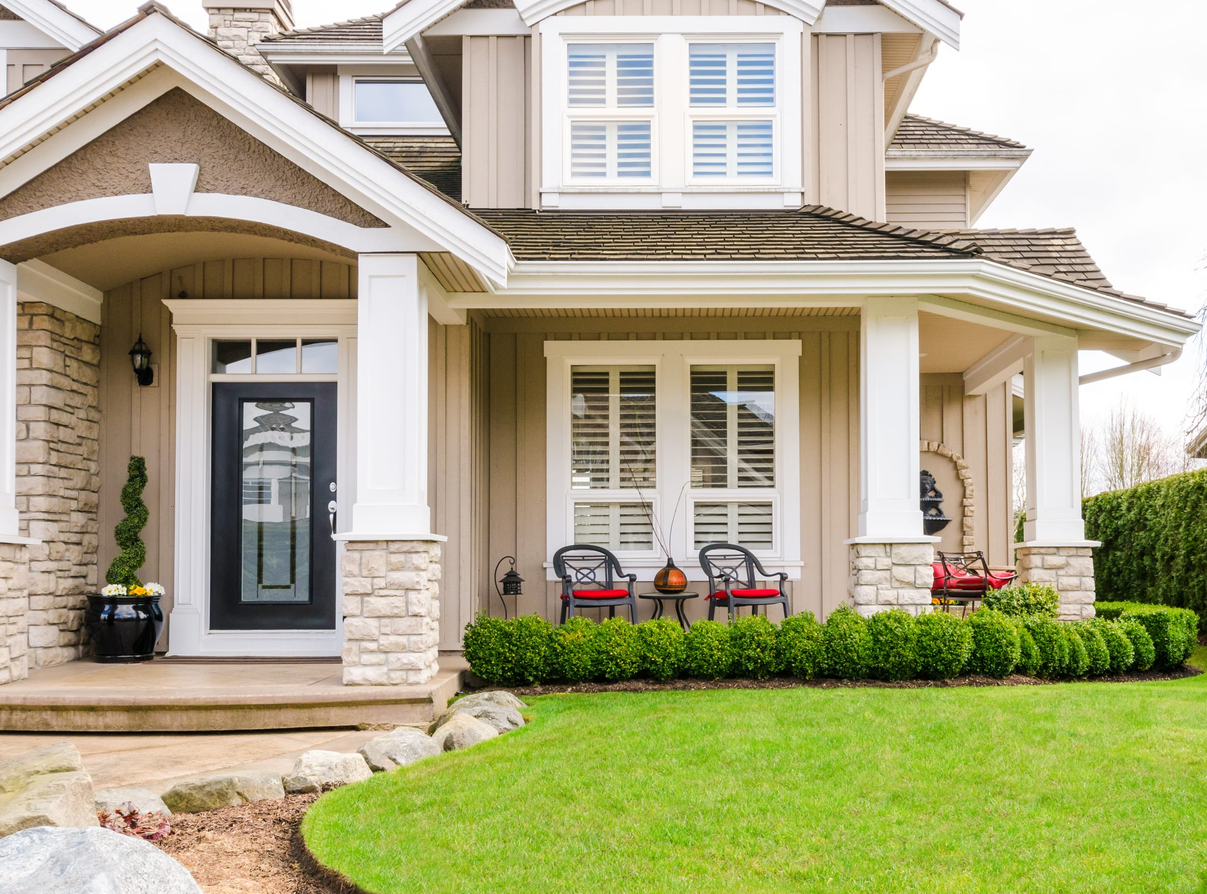 showcasing curb appeal when selling your home